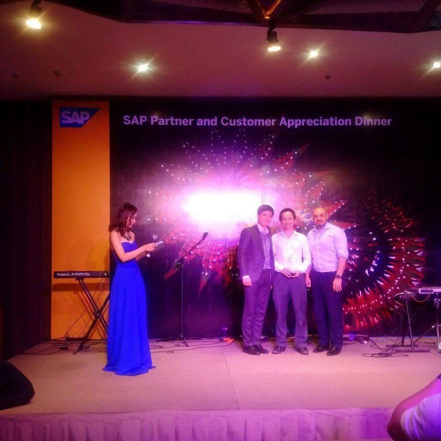 CEO NextCRM và SAP trong buổi tri ân đối tác của SAP